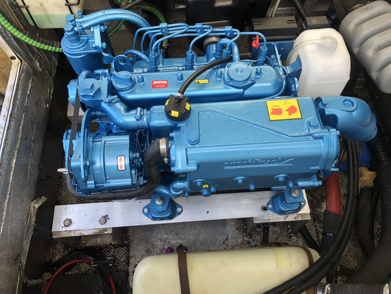 New engine hoists