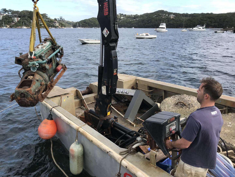 Vessel engine hoists